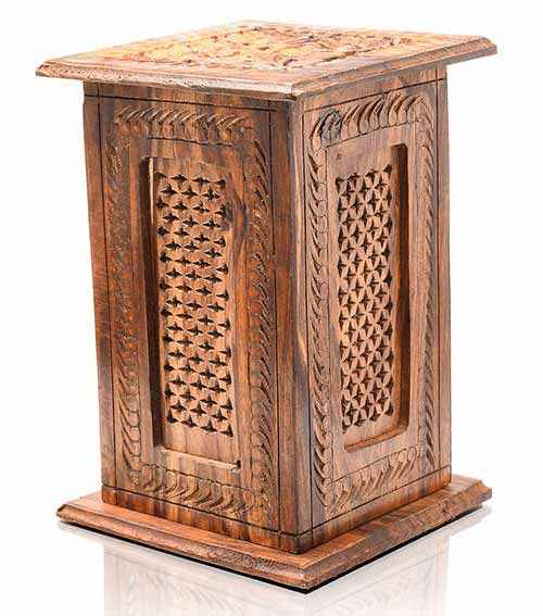 Wooden decor was never out of fashion